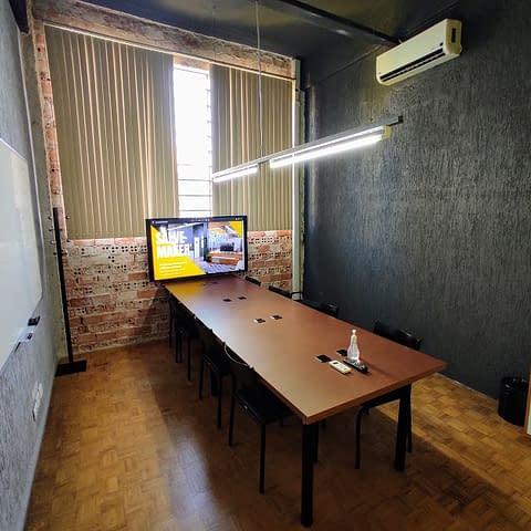 sala de reuniao aldeia coworking curitiba